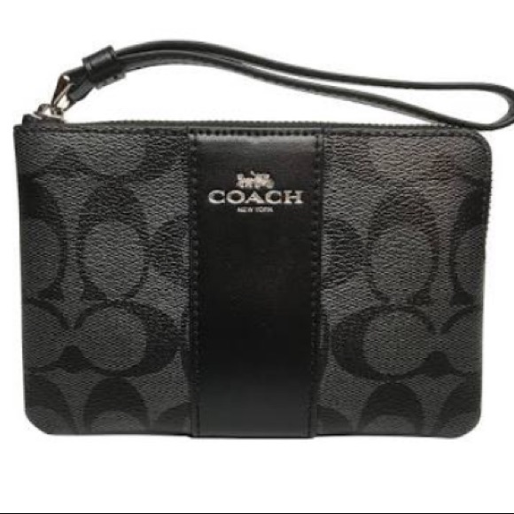 Coach Handbags - ⭐️New!⭐️Coach Black Corner Zip Wristlet (# F58035)